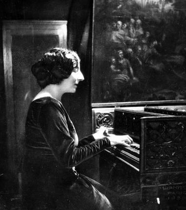 【OurPlay考察】一位钢琴手,嫉妒比自己年轻的女孩的故事 图片15