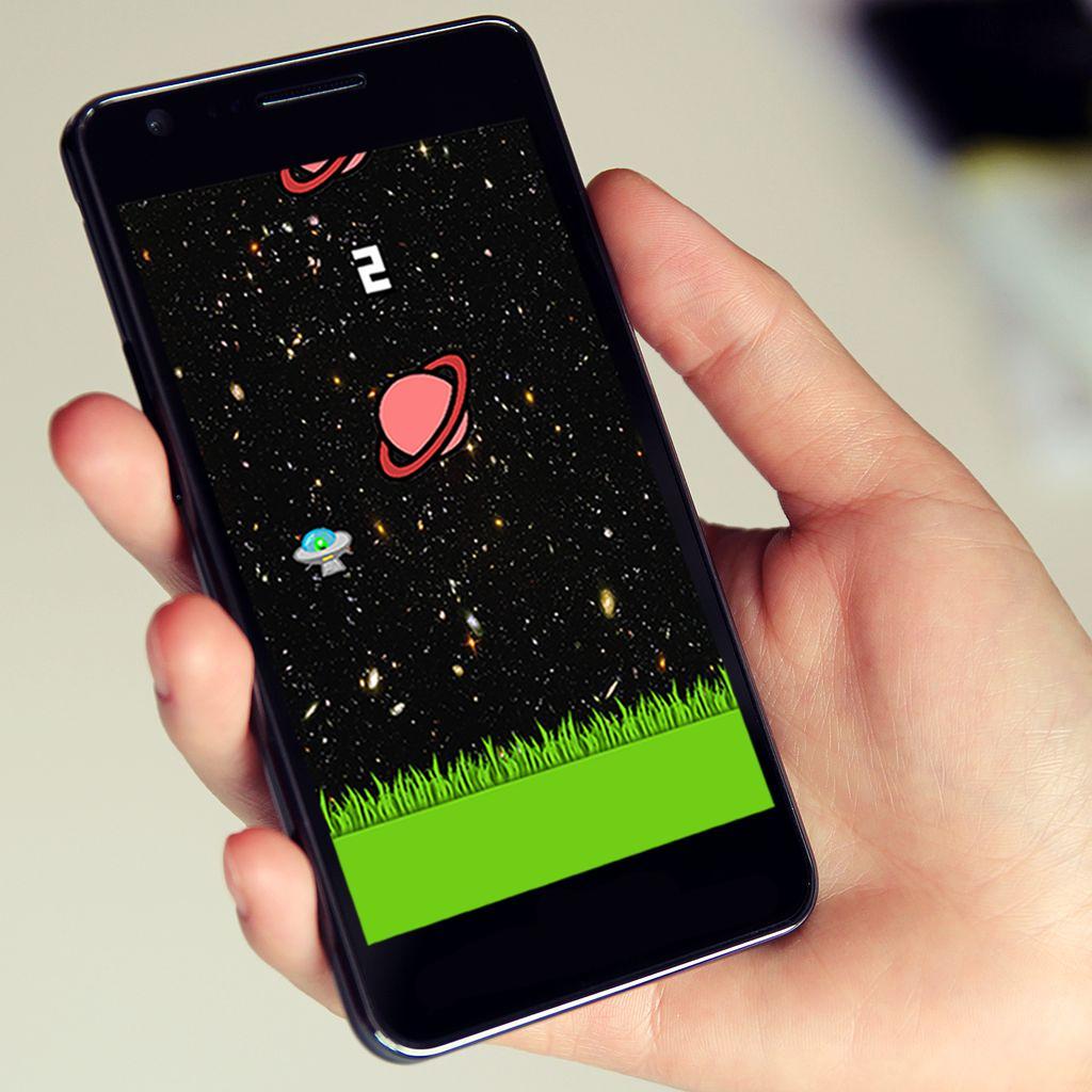 Space Crash - Flying UFO Game 游戏截图2