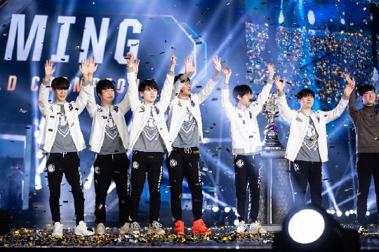 电竞战队IG全球夺冠,为我们青春正名的冠军原来是这样熬成的 图片1