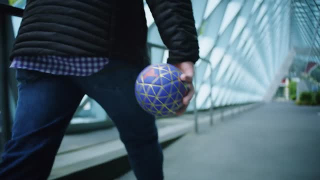 Play Impossible Gameball