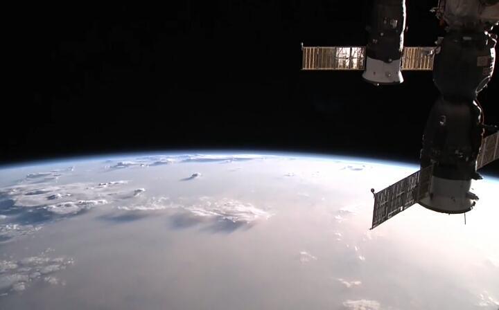 国际空间站高清实况:观看地球实况(ISS HD Live: View Earth Live) 游戏截图2