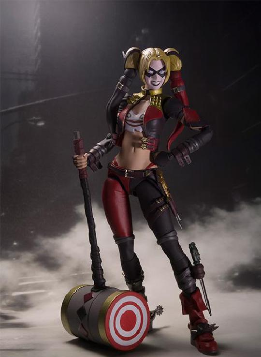 不义联盟2小丑女装备外观,傻瓜的装备和自杀小队哪个好看?